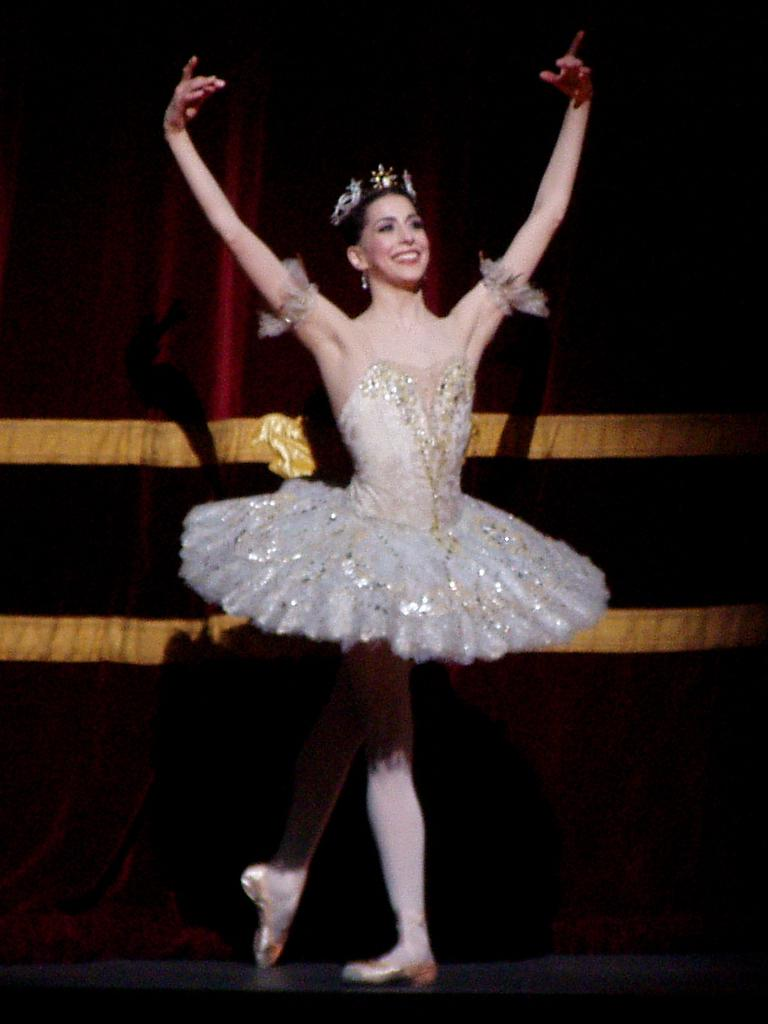 Alexandra Ansanelli in a Pancake Tutu (Royal Ballet 2008)